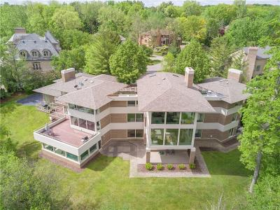Bloomfield Twp Single Family Home For Sale: 1208 Hidden Lake Drive