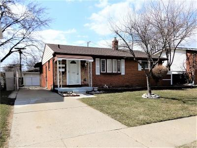 St Clair Shores, Roseville, Clinton Twp, Fraser Single Family Home For Sale: 30843 J Carls Street