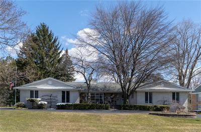 Bloomfield Twp Single Family Home For Sale: 4033 Nearbrook Road