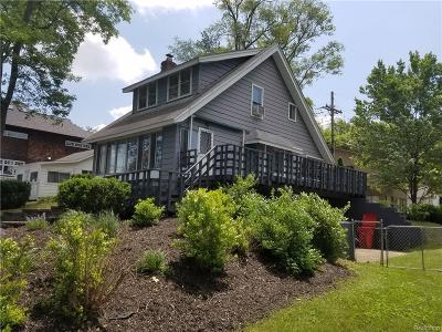 West Bloomfield Twp Single Family Home For Sale: 7980 Barnsbury Avenue