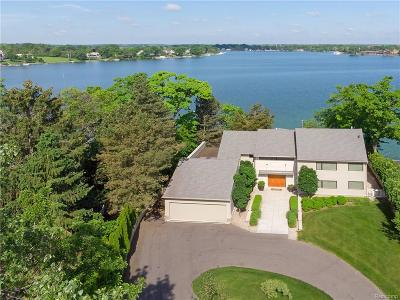 West Bloomfield, West Bloomfield Twp Single Family Home For Sale: 3556 Pine Estates Drive