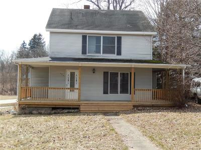 Springfield Twp MI Single Family Home For Sale: $129,000