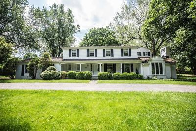 Bloomfield Hills Single Family Home For Sale: 240 Warrington Road
