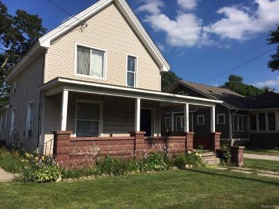 Holly Single Family Home For Sale: 302 N Saginaw Street