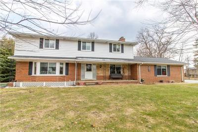 Wixom Single Family Home For Sale: 3031 W Maple Road
