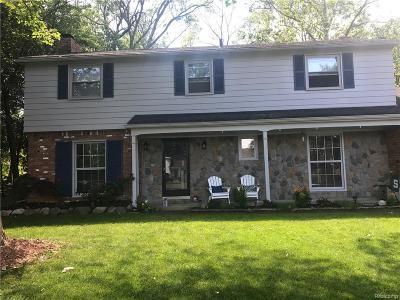 Farmington Hills Single Family Home For Sale: 30161 Briarton Street