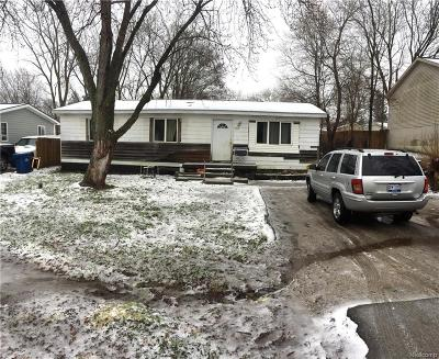 White Lake Twp MI Single Family Home For Sale: $95,000