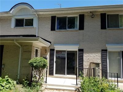 Sterling Heights Condo/Townhouse For Sale: 8733 George F Bunker Boulevard