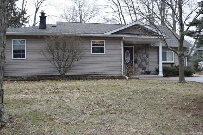 Waterford Twp Single Family Home For Sale: 5631 Harrell Road