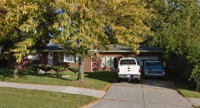 Shelby Twp, Utica, Sterling Heights, Clinton Twp Single Family Home For Sale: 3661 Metropolitan Parkway