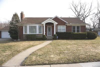 Ferndale,  Royal Oak, Berkley Single Family Home For Sale: 3903 Amherst Road