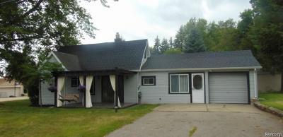 Wixom Single Family Home For Sale: 2710 Lakeridge Street S