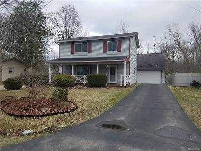 Waterford Twp Single Family Home For Sale: 5565 Crescent Road