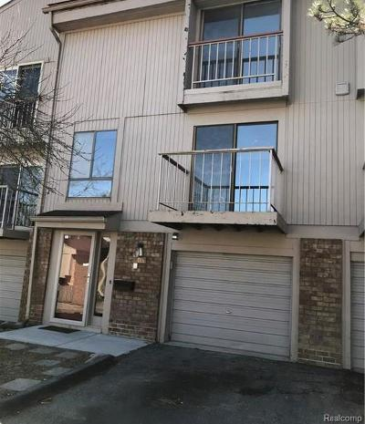 Rochester Hills Condo/Townhouse For Sale: 805 Oak Brook Ridge Drive #126