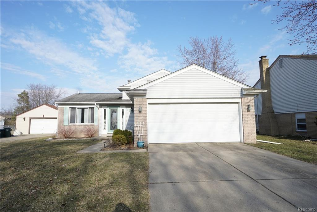 3 bed/2 bath Home in Canton Twp for $229,900