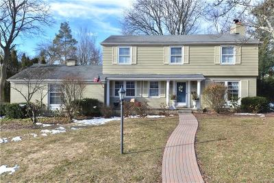 Bloomfield Twp Single Family Home For Sale: 135 Overhill Road