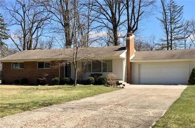 Grosse Ile Twp MI Single Family Home For Sale: $212,900