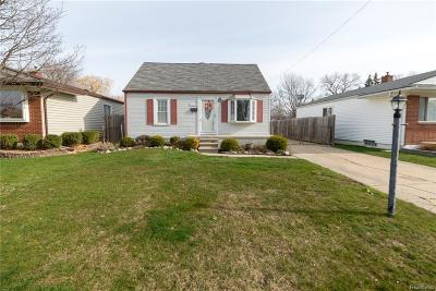 Macomb County Single Family Home For Sale: 22109 Dorion Street