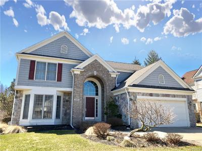 West Bloomfield Twp Single Family Home For Sale: 1880 Midchester Drive