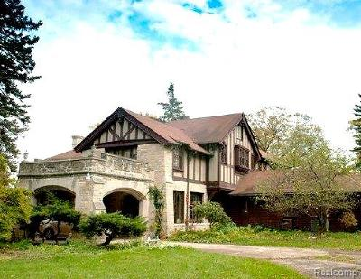 Lake Angelus MI Single Family Home For Sale: $1,999,900
