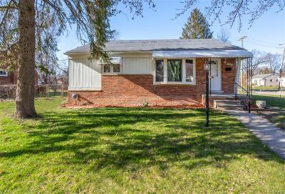 Livonia Single Family Home For Sale: 27990 W Chicago Street