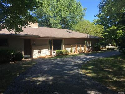 West Bloomfield Twp Single Family Home For Sale: 2292 Horseshoe