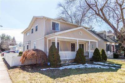 Royal Oak Single Family Home For Sale: 801 Park Avenue