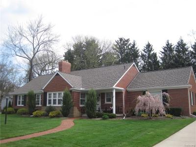 Bloomfield Hills Single Family Home For Sale: 200 Tuckahoe Road