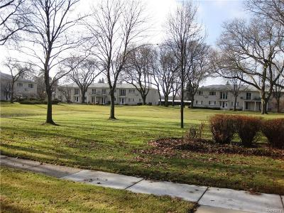BLOOMFIELD Condo/Townhouse For Sale: 4113 Telegraph Road #222