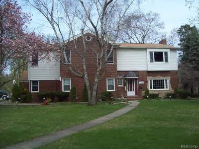 Wayne Single Family Home For Sale: 32338 Woodbrook Drive