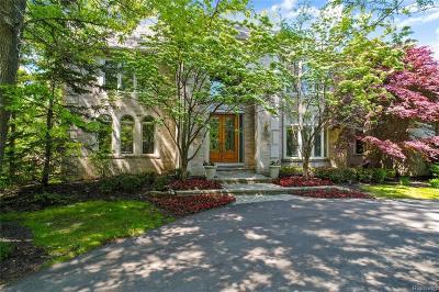Bloomfield Twp Single Family Home For Sale: 2464 Heronwood Drive