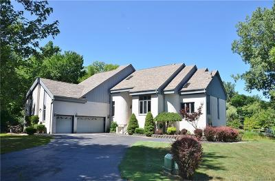 Grosse Ile, Gross Ile, Grosse Ile Twp Single Family Home For Sale: 19606 Kathron Court