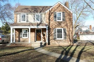 Royal Oak Single Family Home For Sale: 25400 Dundee Road