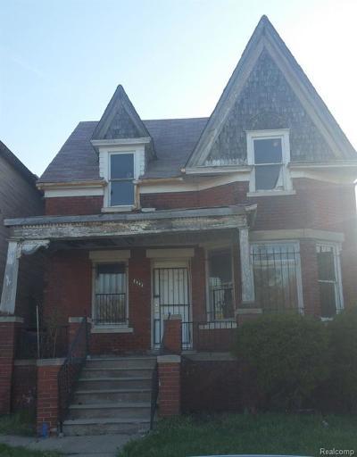 Macomb County, Oakland County, Wayne County Single Family Home For Sale: 1961 E Grand Boulevard