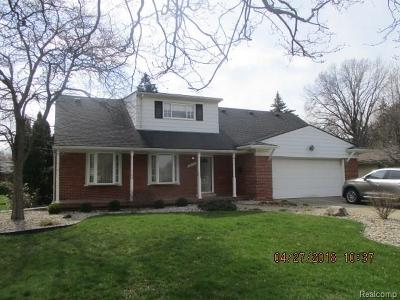 Dearborn Single Family Home For Sale: 6075 University Drive