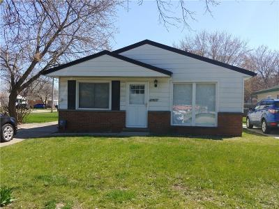 Livonia Single Family Home For Sale: 27407 Long Street