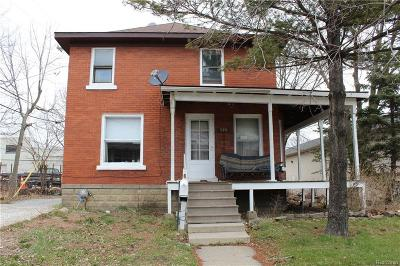 Mount Clemens MI Single Family Home For Sale: $85,000