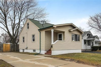 Royal Oak Single Family Home For Sale: 1217 E 13 Mile Road
