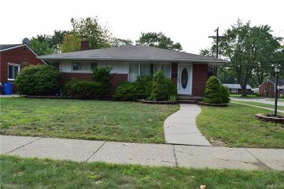 Dearborn Heights Single Family Home For Sale: 8447 Lochdale
