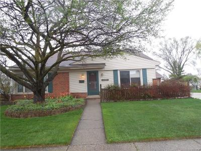 Livonia Single Family Home For Sale: 32150 Meadowbrook Street