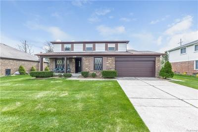 Plymouth Single Family Home For Sale: 46461 Strathmore Court