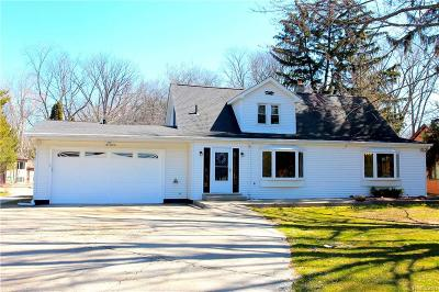 STERLING HEIGHTS Single Family Home For Sale: 41500 Utica Road