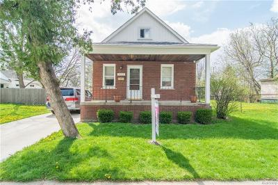 Dearborn Single Family Home For Sale: 6415 Heyden Street