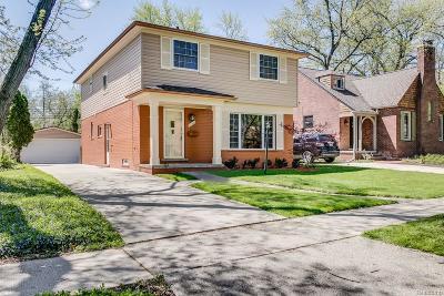 Huntington Woods Single Family Home For Sale: 10445 Elgin Avenue