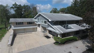 Allen Park, Lincoln Park, Southgate, Wyandotte, Taylor, Riverview, Brownstown Twp, Trenton, Woodhaven, Rockwood, Flat Rock, Grosse Ile Twp, Dearborn, Gibraltar Single Family Home For Sale: 25600 Meridian Road