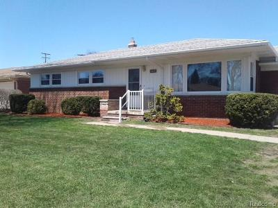 Shelby Twp Single Family Home For Sale: 8447 Timberline Drive