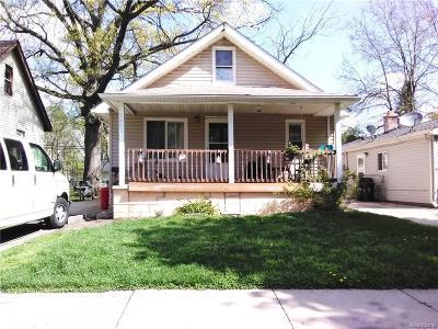 Hazel Park Single Family Home For Sale: 1421 E George Avenue