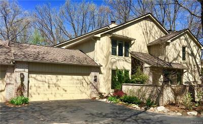 BLOOMFIELD Condo/Townhouse For Sale: 1161 Glenpointe Court