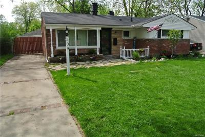 Clawson Single Family Home For Sale: 509 Essex Street