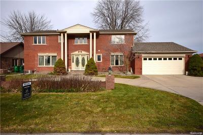 Harrison Twp MI Single Family Home For Sale: $449,900